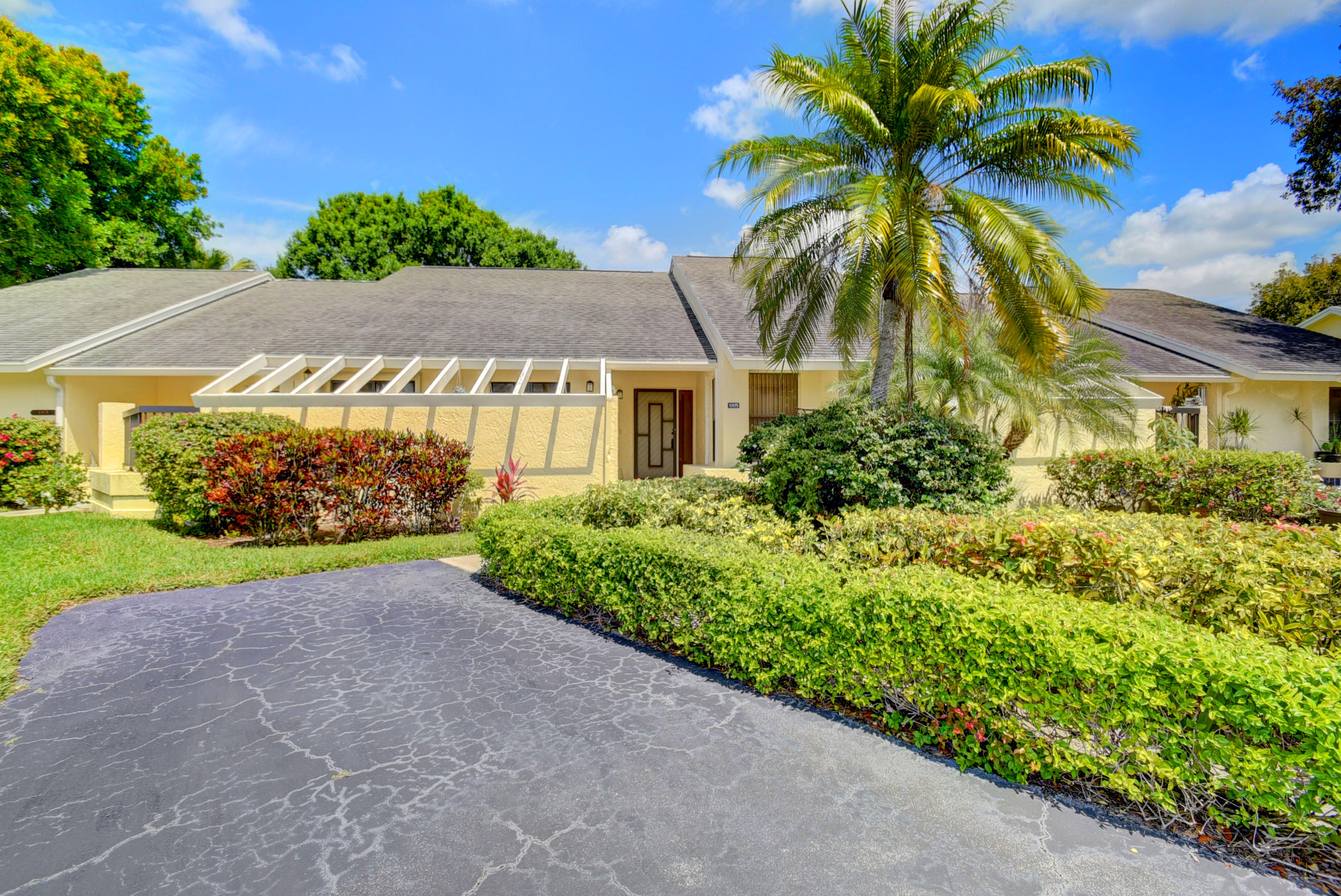 10975 Water Oak Manor Boca Raton, FL 33498