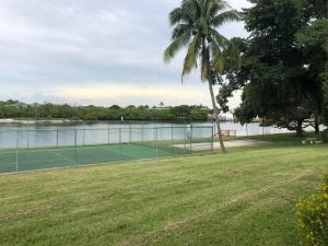 392 Golfview Road, F, North Palm Beach, FL 33408