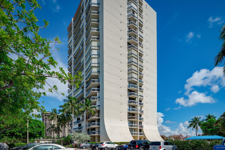 2400 Presidential Way 404, West Palm Beach, FL 33401