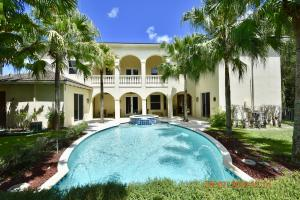 1851 Wood Glen Circle, West Palm Beach, FL 33411