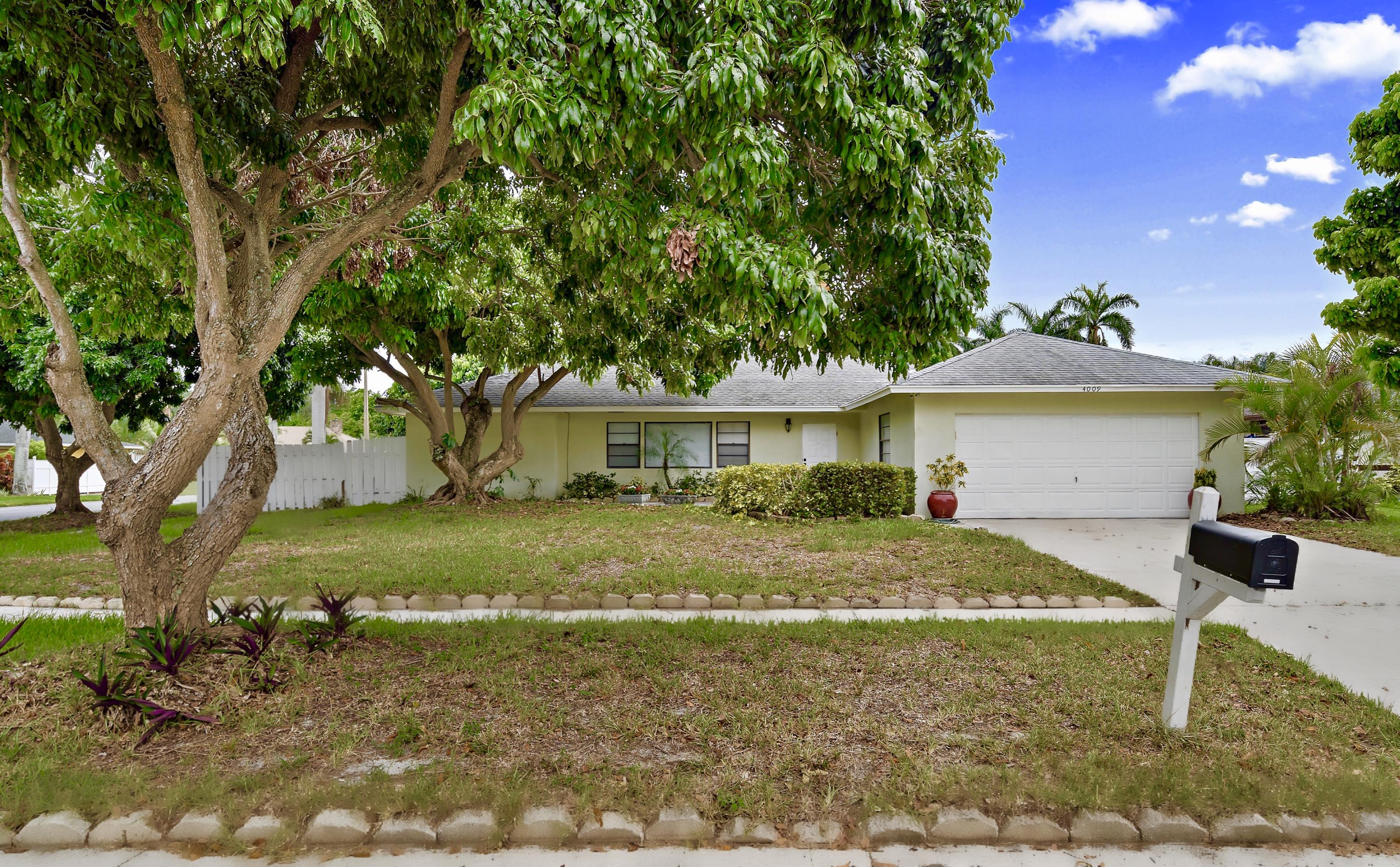 4009 Heath Circle N, West Palm Beach, FL 33407
