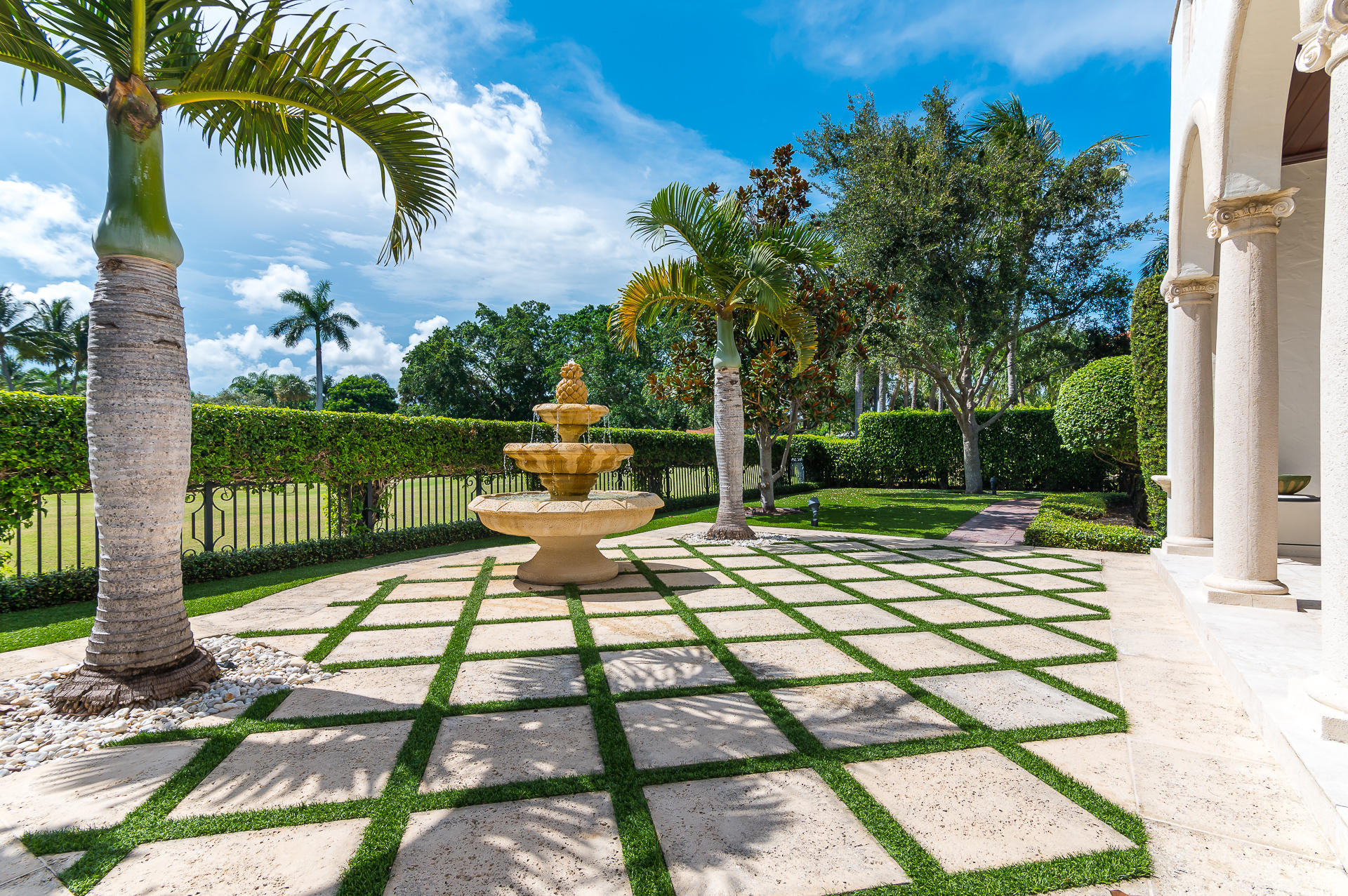 1241  Royal Palm Way gallery image #28