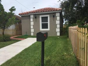 319 S D Street, Lake Worth Beach, FL 33460
