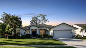 129 Kings Way, Royal Palm Beach, FL 33411