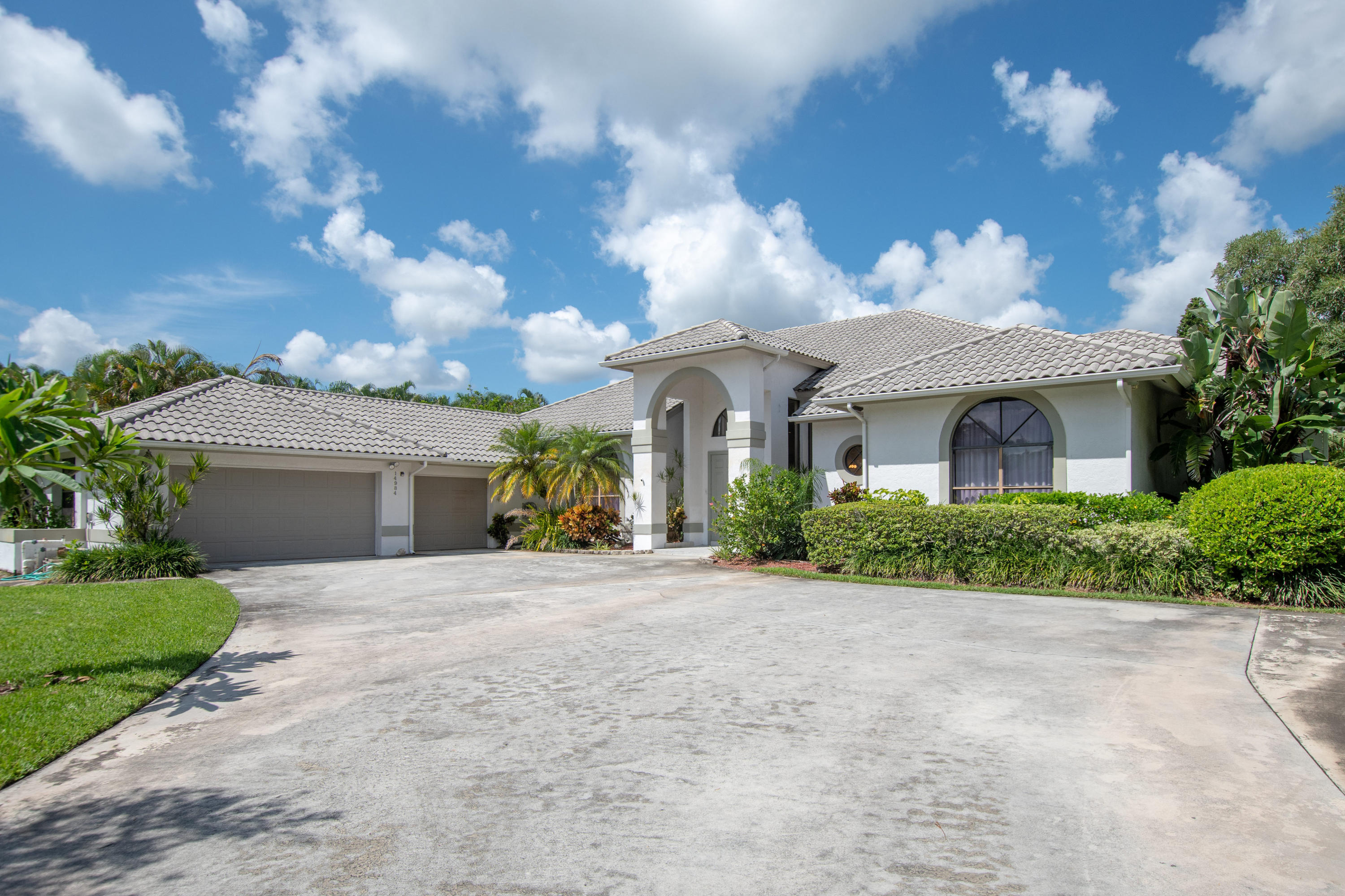 Wellington, Florida 33414, 4 Bedrooms Bedrooms, ,3 BathroomsBathrooms,Rental,For Rent,Roan,RX-10550980