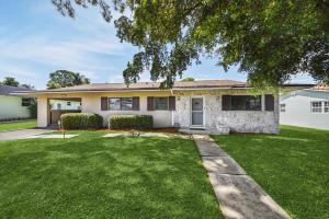 518 SW 28th Avenue, Boynton Beach, FL 33435