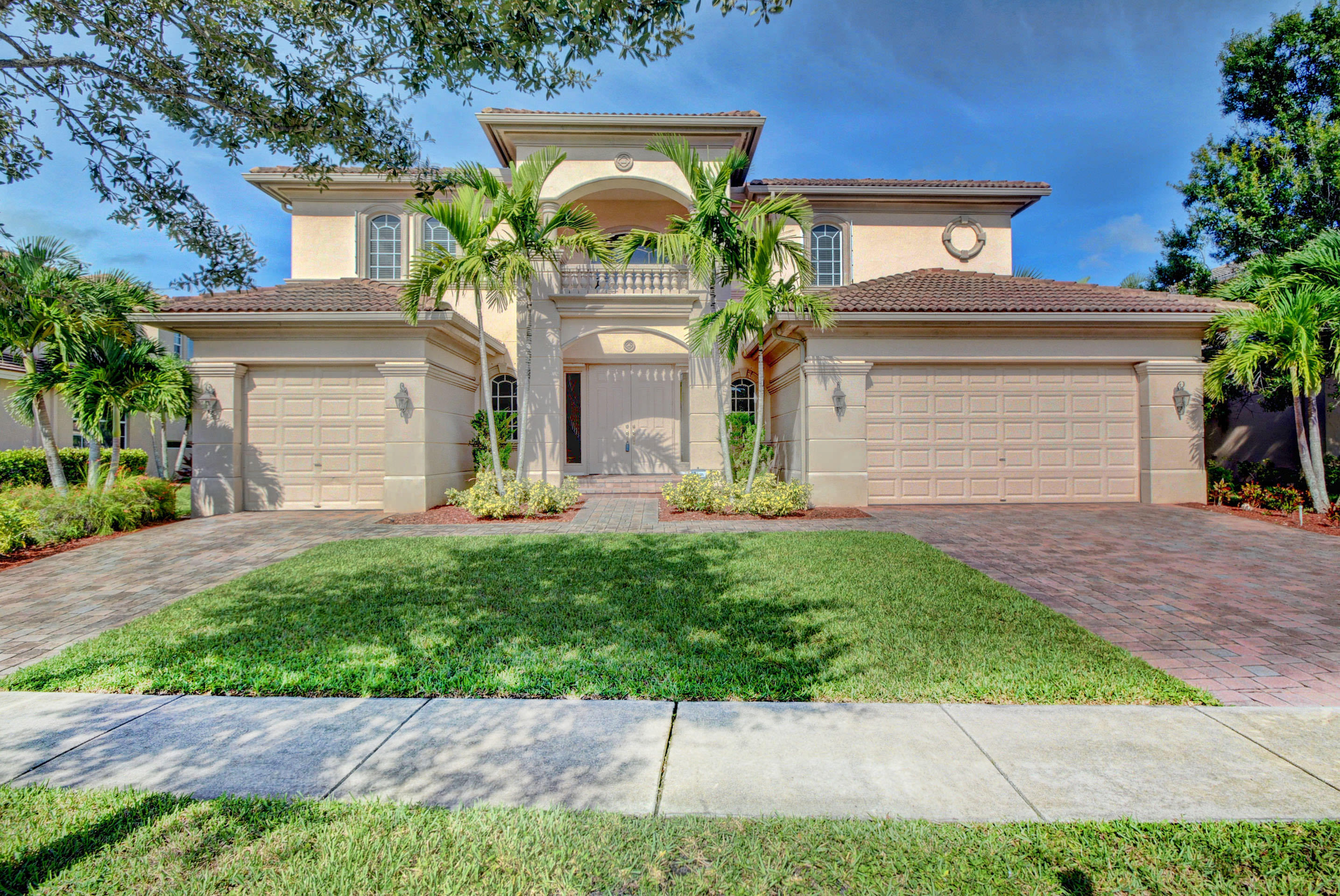 Photo of 591 Glenfield Way, Royal Palm Beach, FL 33411