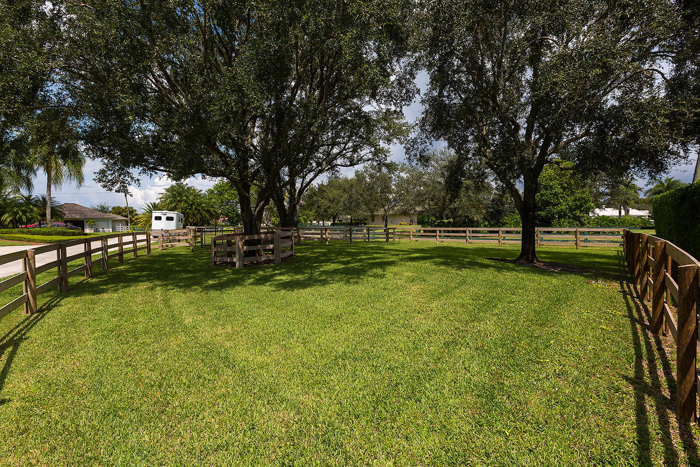 2184 Appaloosa Trail Wellington, FL 33414