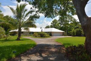 22 SE Harbor Point Drive, Stuart, FL 34996