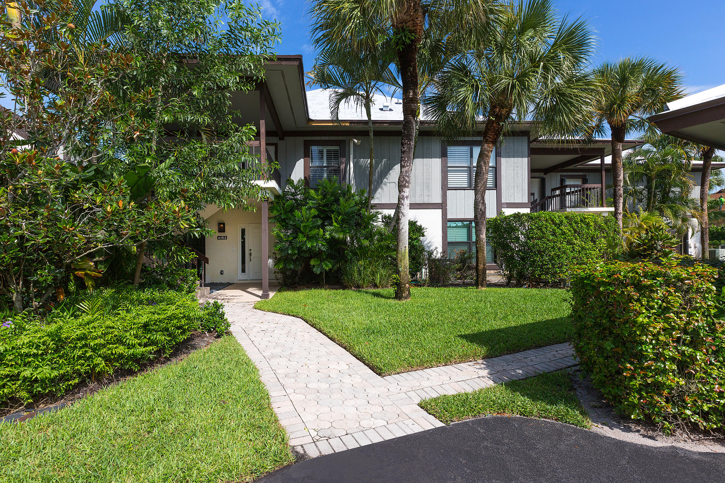 Wellington, Florida 33414, 3 Bedrooms Bedrooms, ,3 BathroomsBathrooms,Residential,For Sale,Polo Club,RX-10552412