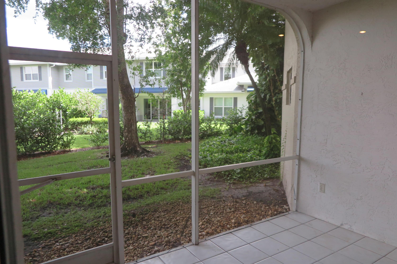 6563 Via Regina Boca Raton, FL 33433