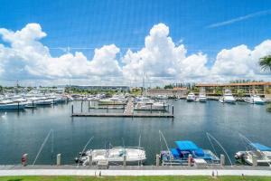 29 Yacht Club Drive, 303, North Palm Beach, FL 33408