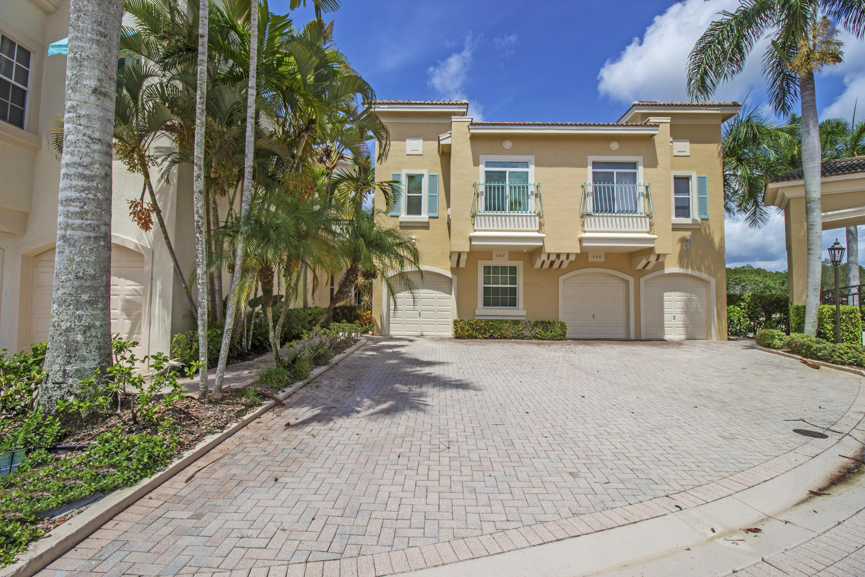 Photo of 507 Resort Lane, Palm Beach Gardens, FL 33418