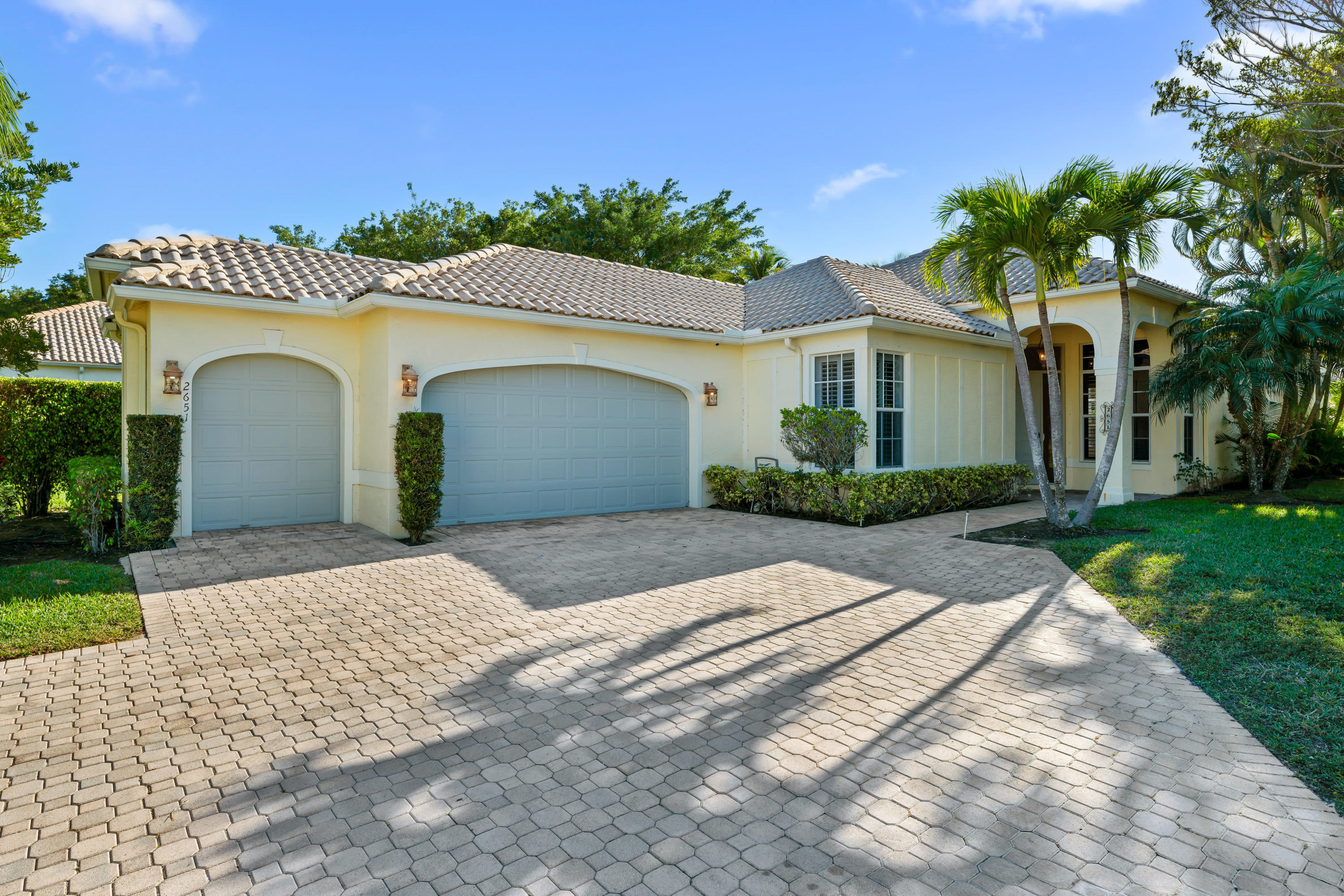 2651 Players Court, Wellington, Florida 33414, 3 Bedrooms Bedrooms, ,3.1 BathroomsBathrooms,Single Family,For Sale,Palm Beach Polo & CC,Players,RX-10554687