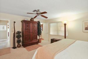 5698 Ne 7th Avenue Boca Raton FL 33487