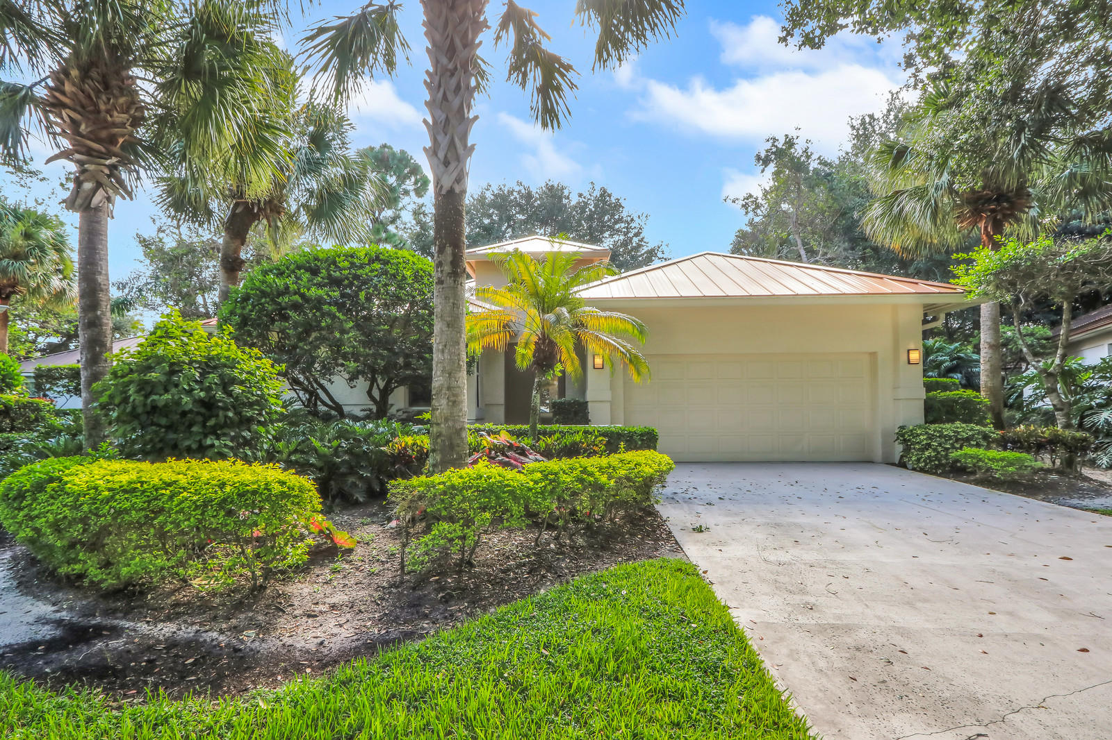This completely renovated home is located in the prestigious Loxahatchee Club and it features 3 bedrooms & 2.5 bathrooms. Open floor plan, spacious living and dining area, new updated kitchen with custom cabinets, granite countertops and stainless appliances, impact glass throughout, and new porcelain tile flooring throughout. The two guest bedrooms share a Jack & Jill bathroom. The large master bedroom has his and her closets and the beautiful master bathroom has river stone tile and custom cabinetry. Enjoy your private backyard and large covered patio with motorized phantom screens. The Loxahatchee Club was awarded as one of the top 100 Platinum Clubs of the World for 2020-21!  Platinum status is the most revered and respected recognition for Private Clubs around the world. Loxahatchee Club is a premier golf course community and consists of almost 300 residential homes, with state-of-the-art amenities including a grand clubhouse, world class fitness center, heated lagoon style swimming pool, 3 hydro grid tennis courts, private Pilates training room, and the Famous Jack Nicklaus Golf Course.