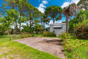 1779 NE Seneca Avenue, Stuart, FL 34994