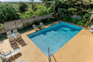 500 S Lyra Cir Juno Beach FL-large-034-4