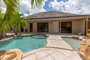 Front courtyard entry with private pool!