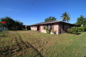 220 SW 5th Avenue, South Bay, FL 33493