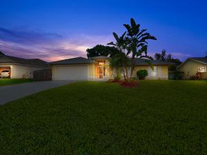 413 SW Laconic Avenue, Port Saint Lucie, FL 34953