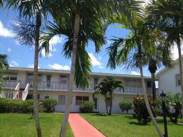 45 Coventry B, West Palm Beach, Florida 33417, 1 Bedroom Bedrooms, ,1.1 BathroomsBathrooms,Condo/Coop,For Rent,CENTURY VILLAGE,Coventry B,2,RX-10553889