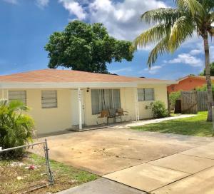 1640 NW 1st Court, Boynton Beach, FL 33435