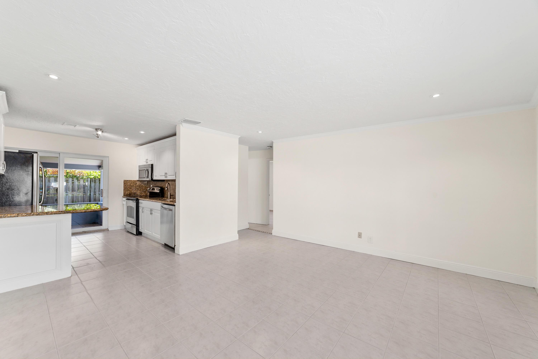 2610 NE 9th Terrace