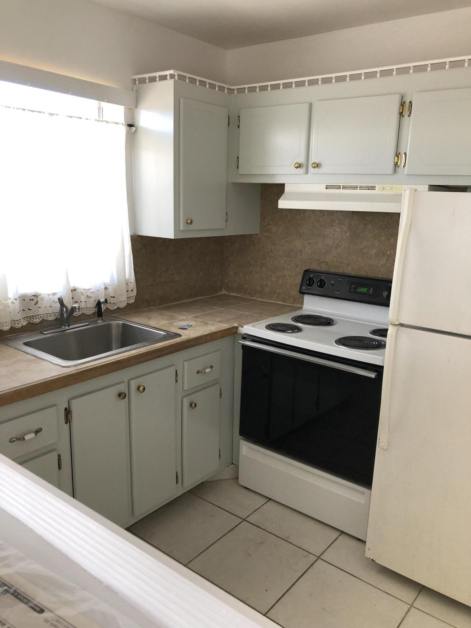 18 Andover A, West Palm Beach, Florida 33417, 1 Bedroom Bedrooms, ,1.1 BathroomsBathrooms,Condo/Coop,For Rent,Andover A,2,RX-10554039