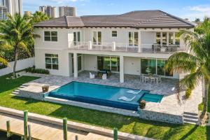 12861 S Shore Drive, West Palm Beach, FL 33410