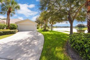 7601 Pine Island Way, West Palm Beach, FL 33411