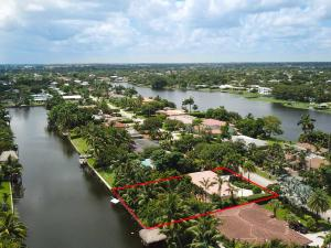Beautiful home on a wide canal... go waterskiing, fishing, or sightseeing on your boat... or kick back in your backyard watching the boaters go by... It's time to enjoy your life...!