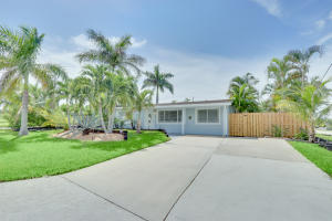346 SW 8th Avenue, Boynton Beach, FL 33435