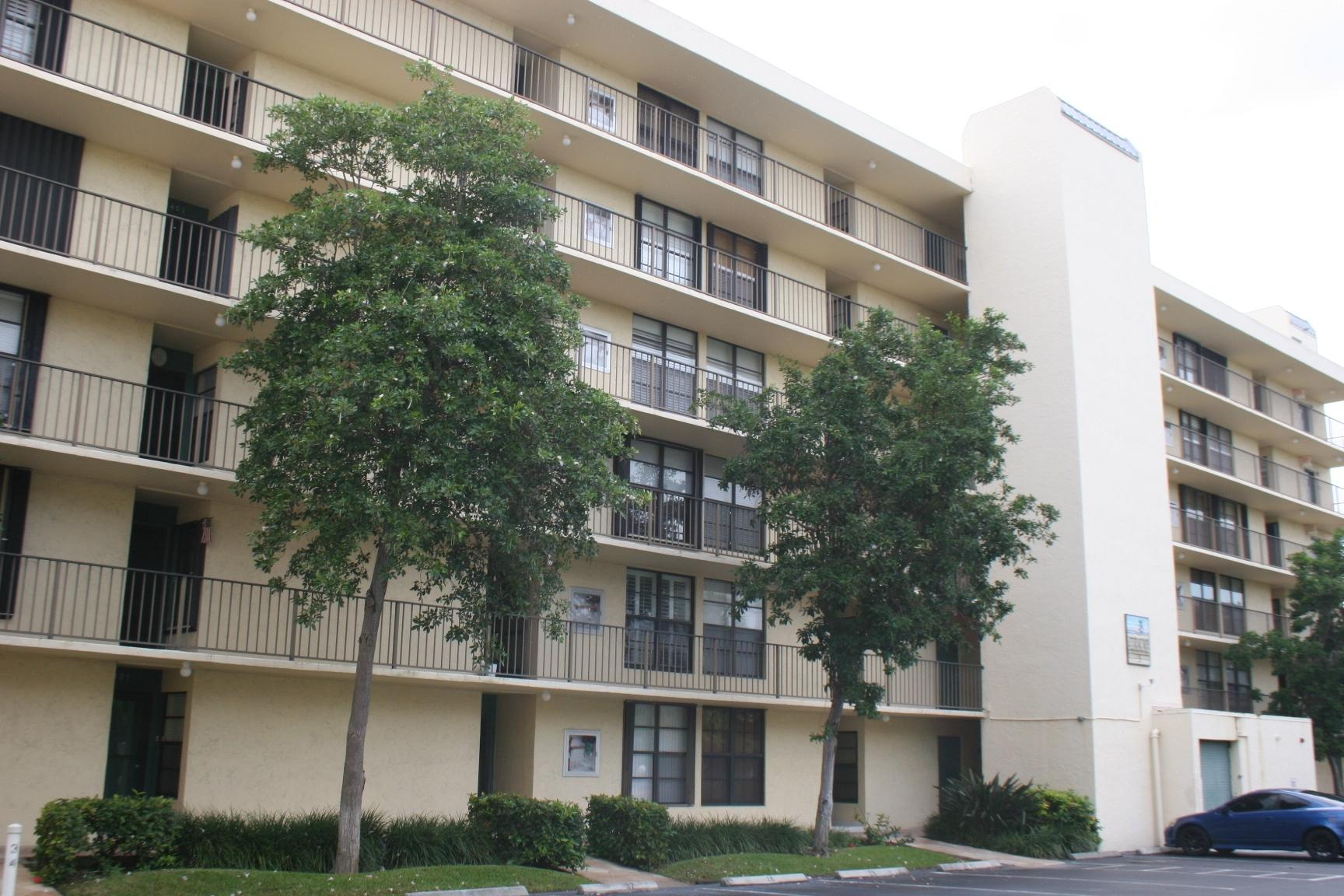 3 Royal Palm Way #2020 Boca Raton, FL 33432