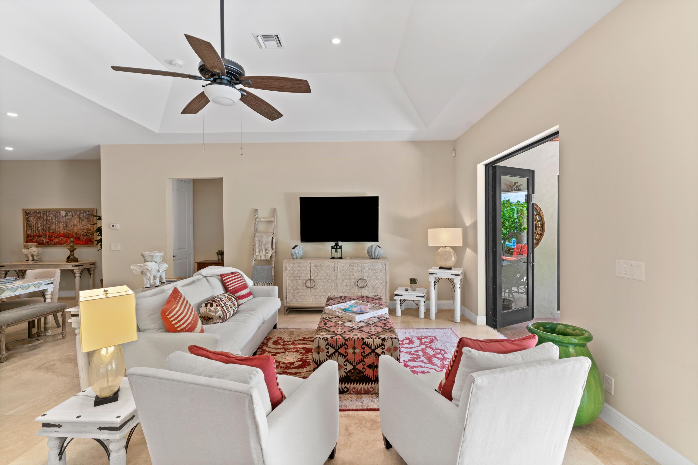 216 Summa Street West Palm Beach, FL 33405
