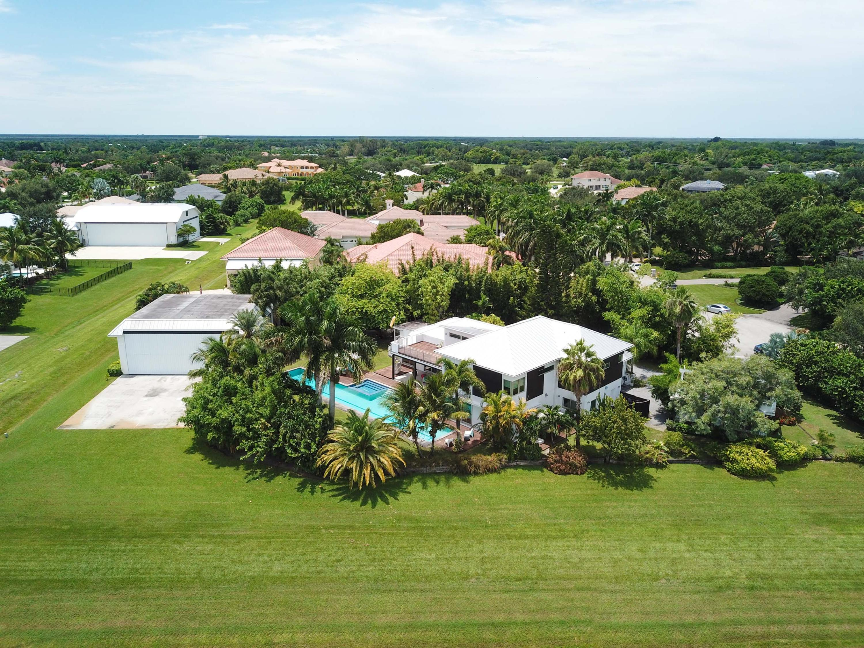 Wellington, Florida 33414, 5 Bedrooms Bedrooms, ,5 BathroomsBathrooms,Rental,For Rent,Weatherly,RX-10557981
