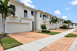 11917 Park Central, Royal Palm Beach, FL 33411