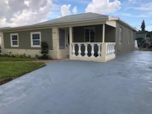 832 W 4th Street, Riviera Beach, FL 33404