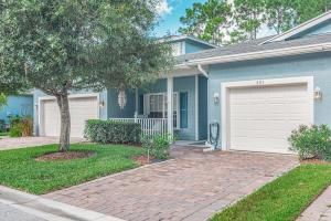 681 NE Bent Paddle Lane, Port Saint Lucie, FL 34983