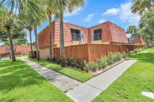 756 Buttonwood Lane, Boynton Beach, FL 33436