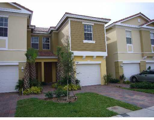 Home for sale in PIPERS CAY CONDO West Palm Beach Florida