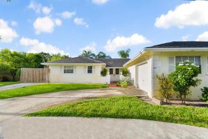 1485 Woodcrest Road N, West Palm Beach, FL 33417