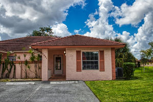 9861 Three Lakes Circle, Boca Raton, FL 33428