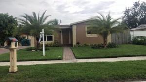 2880 NE 4th Street, Boynton Beach, FL 33435
