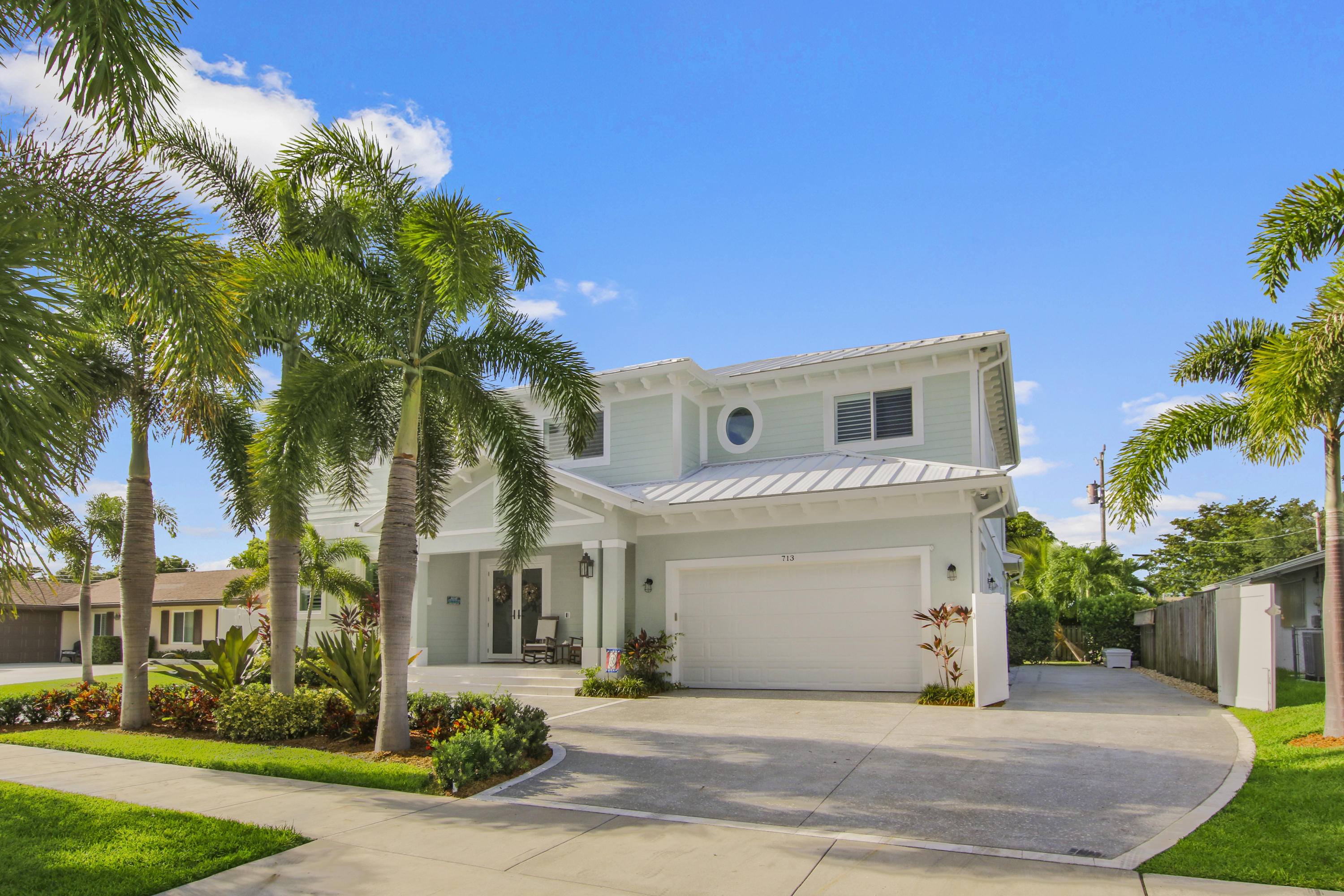 713 Sandpiper Way North Palm Beach, FL 33408