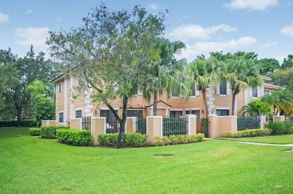365 Prestwick Circle, Palm Beach Gardens, Florida 33418, 2 Bedrooms Bedrooms, ,3 BathroomsBathrooms,Townhouse,For Rent,Prestwick,RX-10556519