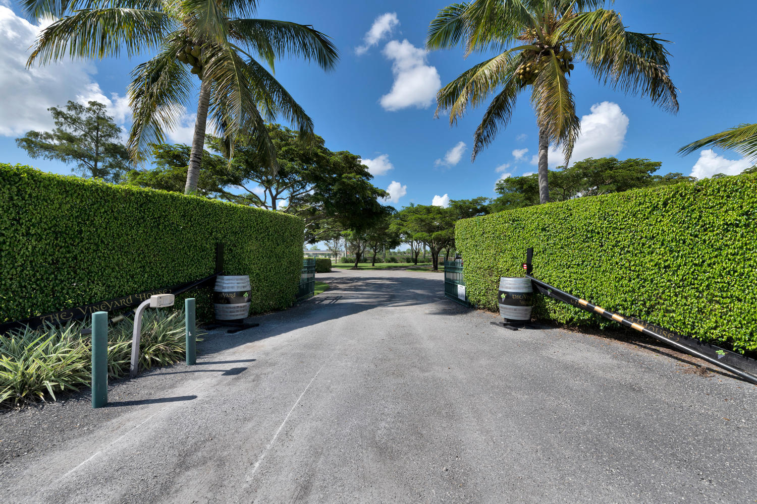 Wellington- Florida 33449, 7 Bedrooms Bedrooms, ,5 BathroomsBathrooms,Residential,For Sale,57th,RX-10512661