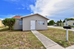 595 W 4th Street, Riviera Beach, FL 33404