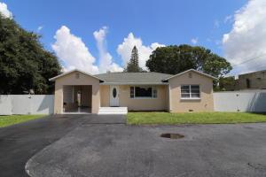 4571 Belvedere Road, Haverhill, FL 33415