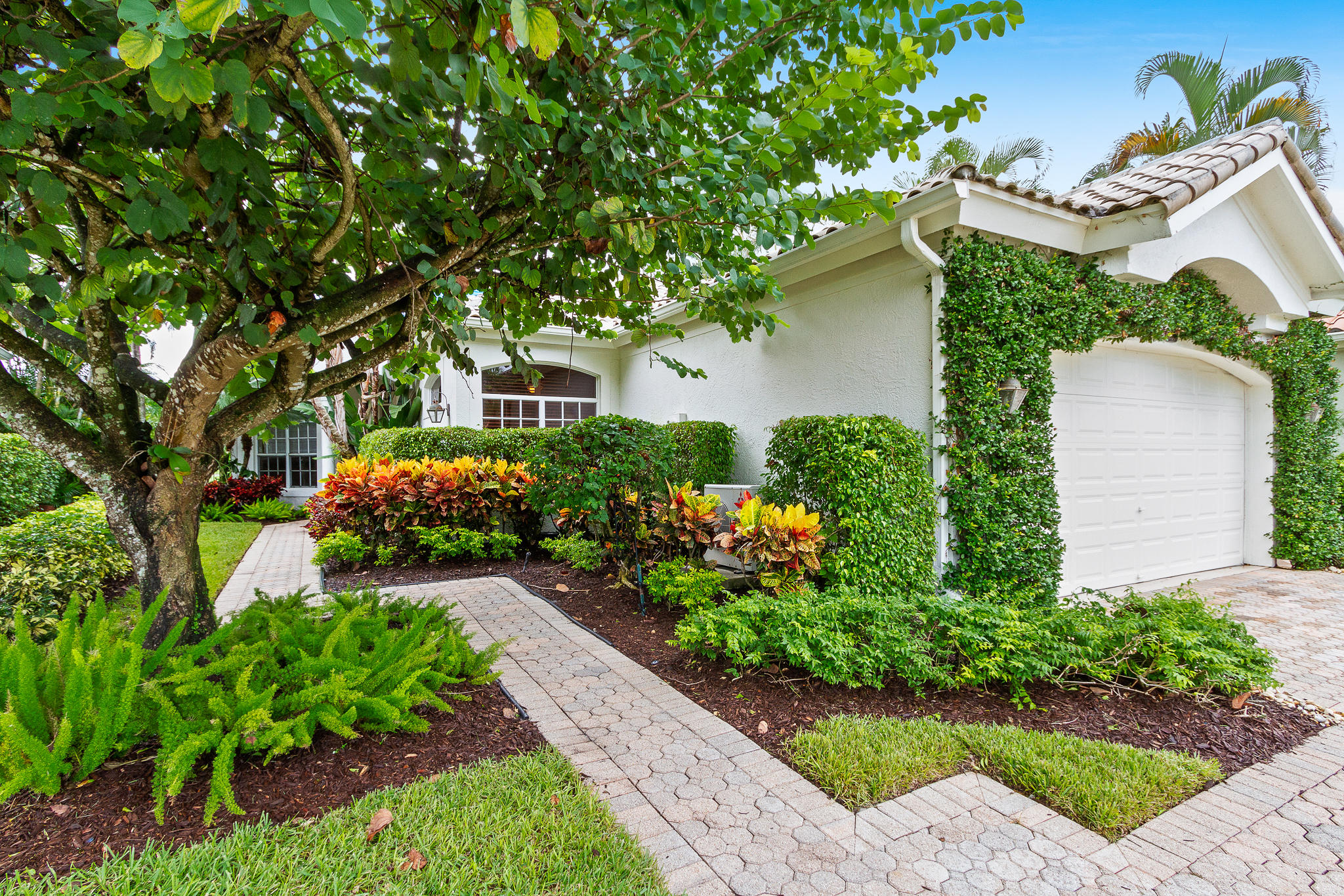12624 Mallet Circle, Wellington, Florida 33414, 3 Bedrooms Bedrooms, ,2 BathroomsBathrooms,Single Family,For Sale,Palm Beach Polo & Country Club /Chukker Cove,Mallet,RX-10557527
